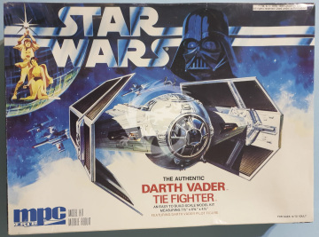 Darth Vader TIE Fighter MPC/Ertl 8916 - skala 1/36